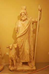 3つの首を持つ犬を傍に置くゼウスの像