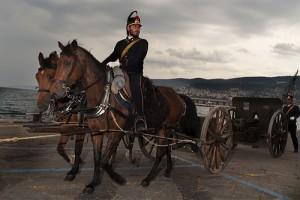 馬に乗る兵隊と大砲