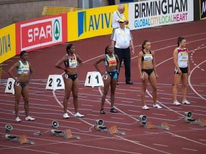 陸上競技でSTARTを待つ選手たち