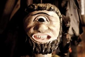 1つ目の怪物の人形