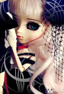 大きな目の人形