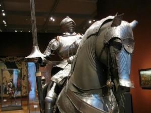 甲冑を着た馬にまたがる甲冑